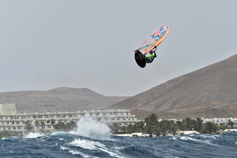 windsurf - jump